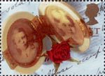 Greeting Stamps. 'Memories' 1st Stamp (1992) Double Locket